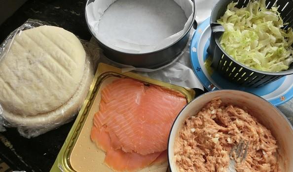 Preparamos los ingredientes de relleno y cobertura.