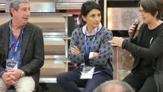 Beatriz Echevarría y Ana Bellsolá en la mesa redonda.
