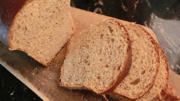24 horas de reposo permiten que este pan sea más fácil de rebanar.